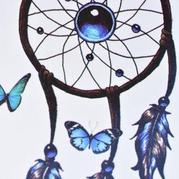Attrape rêve et papillons bleus