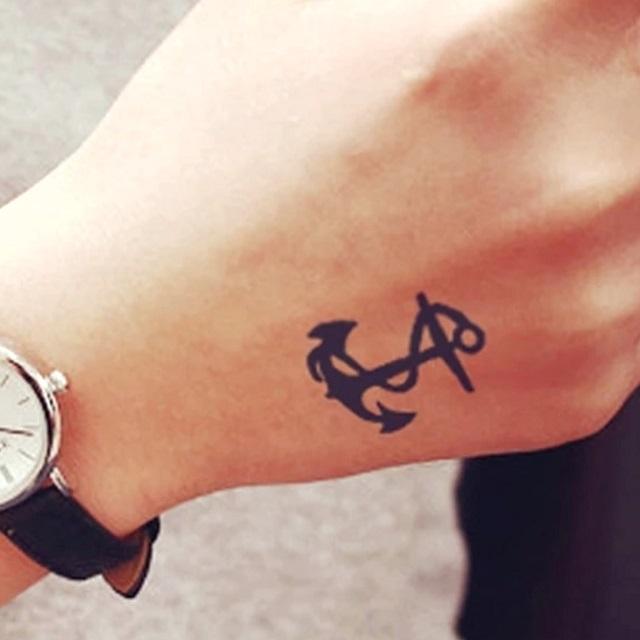 ancre en tatouage chic
