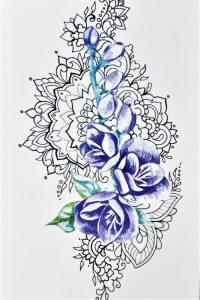 bouton fleuri sur mandala en tatouage